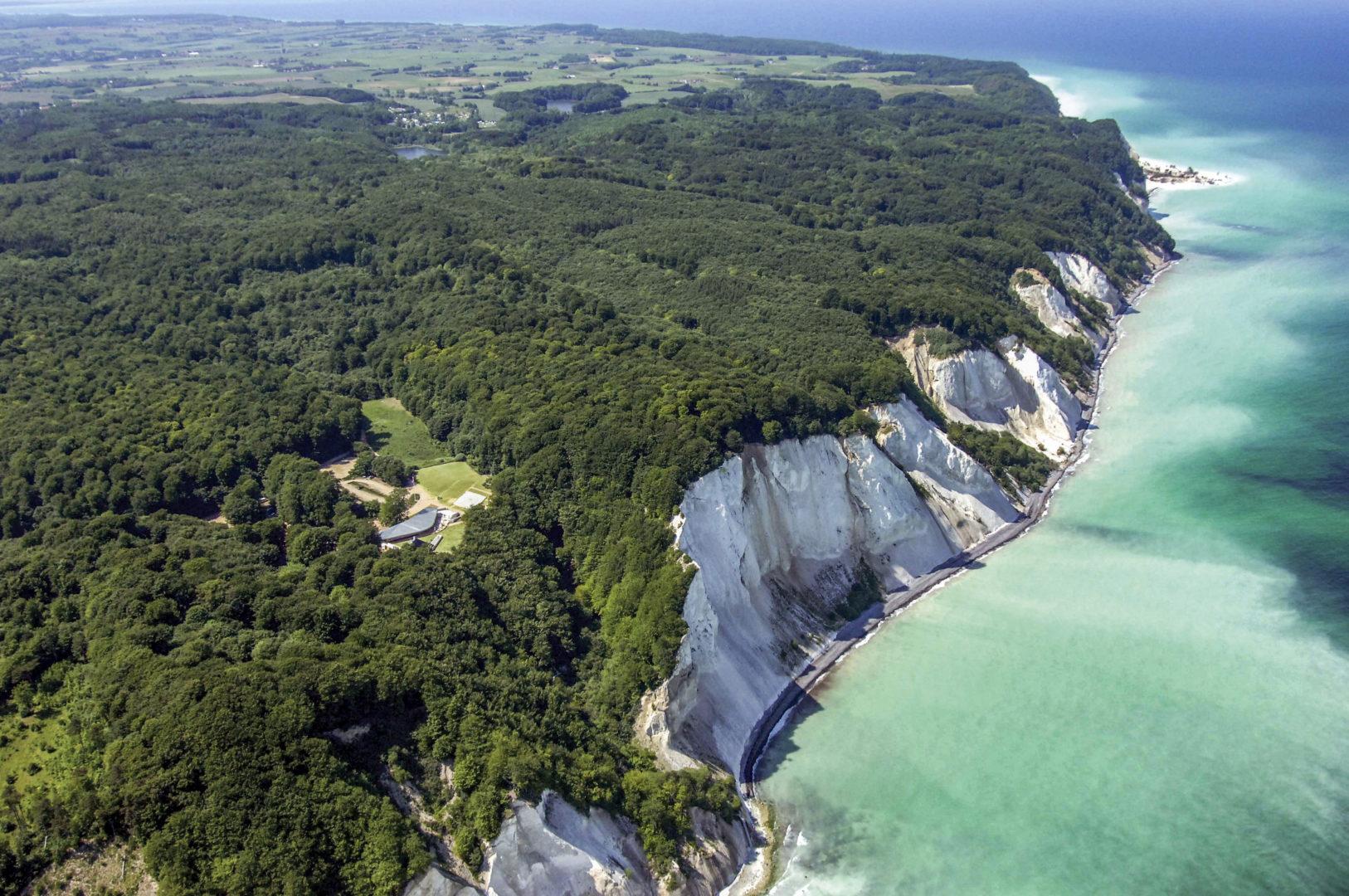 Fantastiske Møns Klint med sine over 100 meter hvide kridtskrænter